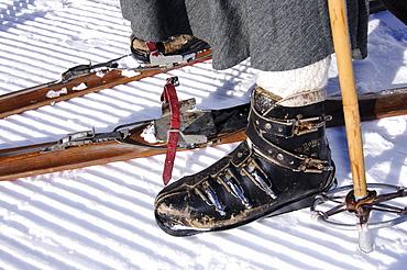 Traditional Skiers, Sella Ronda, Groedner Joch, Groeden, South Tyrol, Italy, MR