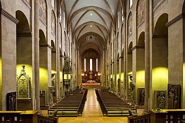 Main nave in Mainz Cathedral, Mainz, Rhineland-Palatinate, Germany, Europe