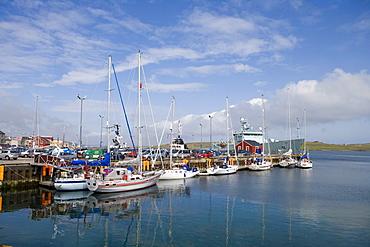 Sailing boats alongside jetty at harbour, Lerwick, Mainland, Shetland Islands, Scotland, Great Britain, Europe
