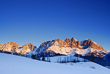 sunrise at Wilder Kaiser range, south faces with farm house, Wilder Kaiser range, Kaisergebirge, Tyrol, Austria