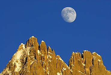 moonrise above pinnacles of Toerltuerme, Wilder Kaiser range, Kaisergebirge, Tyrol, Austria