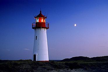 Lighthouse in the evening, Westenellenbogen, Sylt island, North Friesland, Schleswig-Holstein, Germany