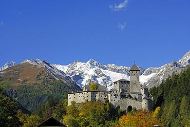 Castle Taufers with Schwarzenstein in Zillertaler Alpen range, Sand in Taufers, valley Ahrntal, South Tyrol, Italy