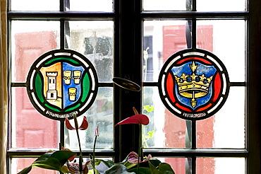 Window with emblem, Hotel and Restaurant Loewen, Marktbreit, Franconia, Bavaria, Germany