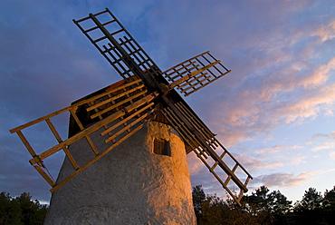 Windmill near Djauvik, Gotland, Sweden, Scandinavia, Europe