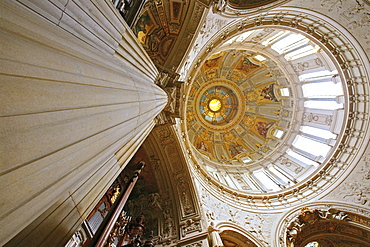 Berliner Dom, Neo-Baroque pulpit and a large Sauer organ, Berlin