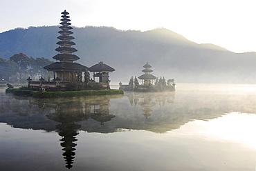 Ulu Watu Danu Bratan, temple on an island at Bratan lake, Bali, Indonesia, Asia