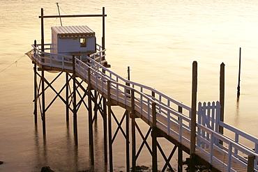 Sunset and fishing hut, The Way of Saint James, Chemins de Saint-Jacques, Via Turonensis, Talmont sur Gironde, Dept. Charente-Maritime, Région Poitou-Charentes, France, Europe