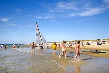People on beach, Westerland, Sylt Island, Schleswig-Holstein, Germany