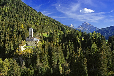Welsberg castle, Val Pusteria, Dolomite Alps, South Tyrol, Italy
