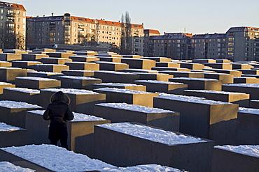Berlin Holocaust Memorial in winter, Beton stelen by architect Peter Eisenmann