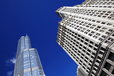 Trump Tower and Wrigley Building (from left), Chicago, Illinois, USA
