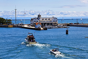 US Coast guard, Lake Michigan, Chicago, Illinois, USA