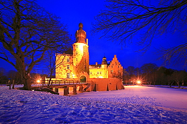 Gemen moated castle, near Borken, Muensterland, North Rhine-Westphalia, Germany