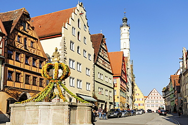 Fountain decorated for Easter, Herrengasse, Rothenburg ob der Tauber, Bavaria, Germany