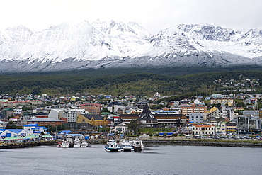 City of Ushuaia in front of snow covered mountains, Ushuaia, Tierra del Fuego, Patagonia, Argentina, South America, America