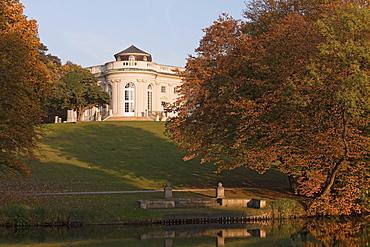 Autumn at Schloss Richmond, View from the park, Braunschweig, Brunswick, Lower Saxony, Northern Germany