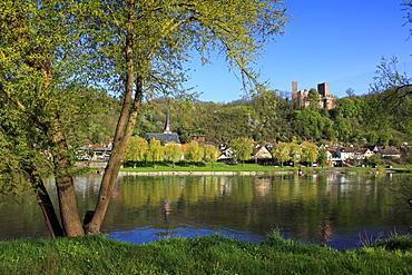 View over Main river to Henneburg castle, Stadtprozelten, Main river, Odenwald, Spessart, Franconia, Bavaria, Germany