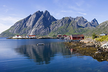 Idyllic Fishing Village, Sund, Flakstadoy, Lofoten, Nordland, Norway, Europe