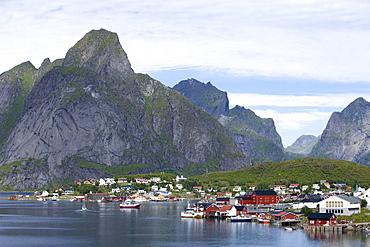 Idyllic Fishing Village, Reine, Moskenesoy, Lofoten, Nordland, Norway, Europe