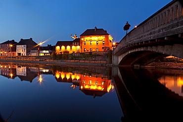 Tynen's Bridge at night, River Nore, Kilkenny, County Kilkenny, Ireland
