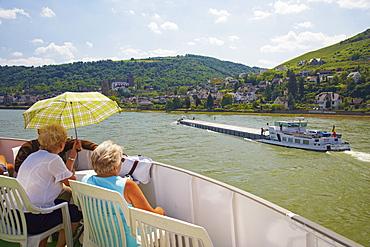 Oberwesel, Schoenburg castle, Shipping on the river Rhine, Koeln-Duesseldorfer, Mittelrhein, Rhineland-Palatinate, Germany, Europe