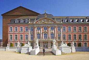 Electoral Palace (Kurfuerstliches Palais), Trier on Mosel, Rhineland-Palatinate, Germany, Europe