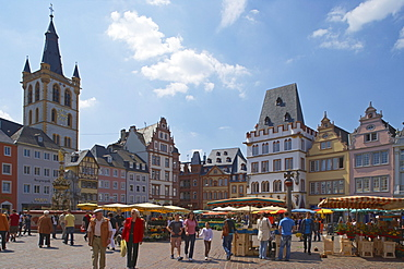 Main market with St. Gangolf and Steipe, Trier, Mosel, Rhineland-Palatinate, Germany, Europe