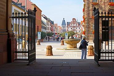 Domnapf, Maximilian street and Altpoertel (town gate), Speyer, Rhineland-Palatinate, Germany, Europe