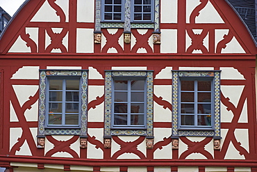 Market place at Kirchberg, Half-timbered house, build in 1752 (Schwanen-Apotheke), Detail, Hunsrueck, Rhineland-Palatinate, Germany, Europe