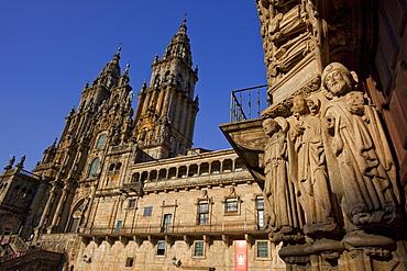 Portal at Colegio de San Jeronimo wih sculpture of St. James, cathedral of Santiago de Compostela, 15.Jhd., Camino Frances, Way of St. James, Camino de Santiago, pilgrims way, UNESCO World Heritage Site, European Cultural Route, province of La Coruna, Galicia, Northern Spain, Spain, Europe