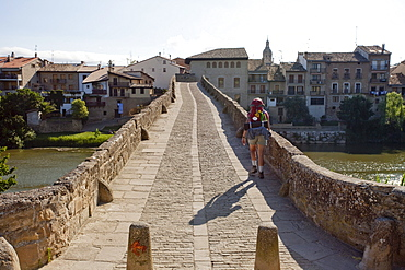 Stone bridge, Puente la Reina, from the 11th century, Rio Arga, river, Camino Frances, Way of St. James, Camino de Santiago, pilgrims way, UNESCO World Heritage, European Cultural Route, province of Navarra, Northern Spain, Spain, Europe