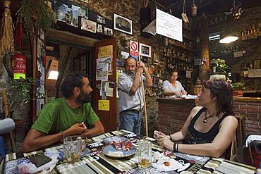 Pilgrims at a hostel, Albergue O Abrigadoiro, San Xulian do Camino, Province of Lugo, Galicia, Northern Spain, Spain, Europe