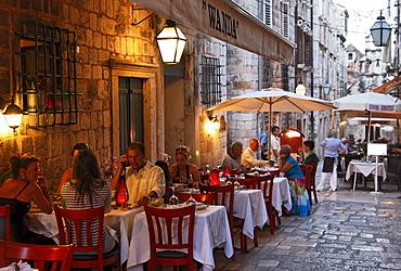 Pavement restaurants in old town in the evening, Dubrovnik, Dubrovnik-Neretva county, Dolmatia, Croatia