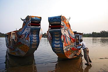 Dragon boats at Perfume River, Hue, Trung Bo, Vietnam