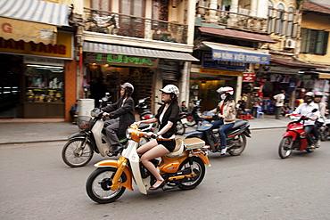 Moped riders, old town, Hanoi, Bac Bo, Vietnam