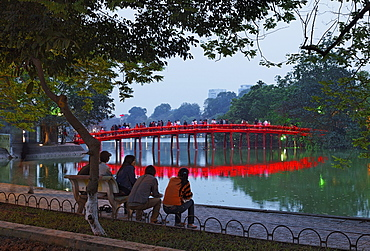 Jadeberg island, Huc Bridge, Hoan Kiem Lake (Lake of the Returned Sword), Hanoi, Bac Bo, Vietnam