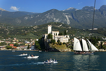 Sailing ship, Scaliger Castle, Malcesine, Lake Garda, Veneto, Italy