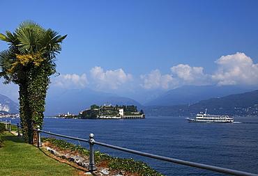 View over Borromean Palazzo, Isola Bella, Stresa, Lago Maggiore, Piedmont, Italy