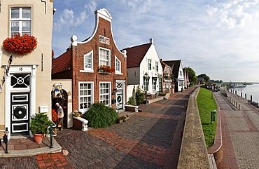 Sielstrasse in Greetsiel, East Frisia, Lower Saxony, Germany