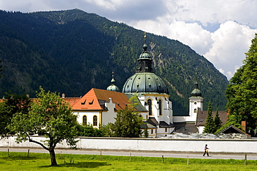 Ettal minster in the sunlight, Benedictine monastry, Ettal, Bavaria, Germany, Europe