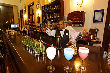 Hotel National Vedado, famous Bar, barkeeper, Frozen Daiquiri, Cuba, Greater Antilles, Antilles, Carribean, West Indies, Central America, North America, America