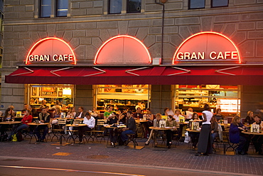 Switzerland, Zurich, street cafe, Gran Cafe, Limmatquai, people, evening
