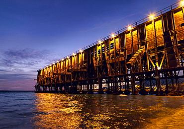 El Cable Ingles historic pier in the harbour of Almeria, Almeria, Andalusia, Spain