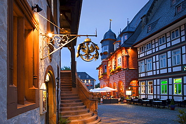 View from the Town Hall to Hotel Kaiserworth, market square in the evening, Goslar, Harz mountains, Lower Saxony, Germany