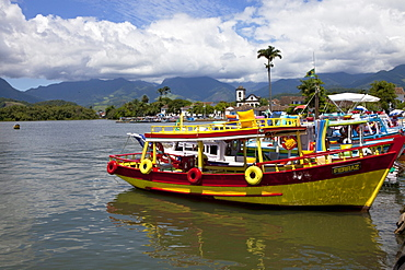 Boats at harbour of the colonial town Paraty, Costa Verde, State of Rio de Janeiro, Brazil, South America, America