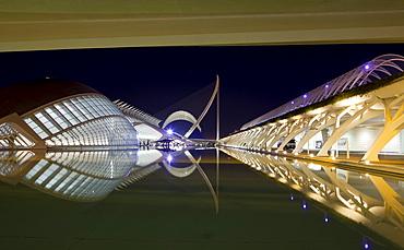Museo de las Ciencias Principe Felipe and L'Hemispheric at night, Ciudad de las Artes y de las Ciencias, Valencia, Spain, Europe