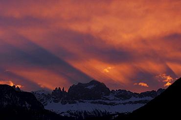 Rosengarten in the morning light, UNESCO World Nature Site, Dolomites, lto Adige, South Tyrol, Italy