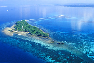 Aerial view of Chumbe Island and its nature reserve, Zanzibar, Tanzania, Africa