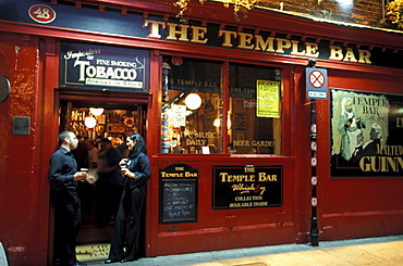 People at the entrance of the Temple Bar, Temple Bar District, Dublin, Ireland, Europe